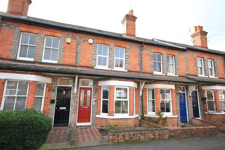 2 Bedrooms Terraced House for sale in Hampden Road, Caversham, Reading, RG4