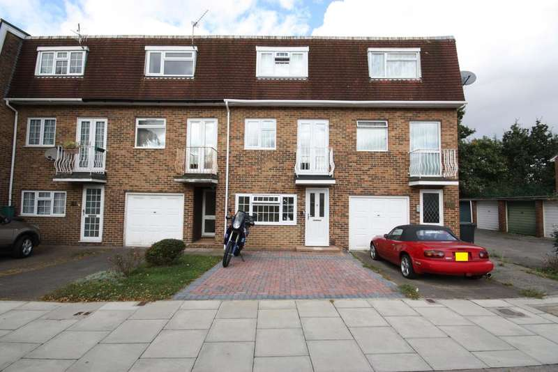 4 Bedrooms Town House for sale in Almond Avenue, Ealing, London W5