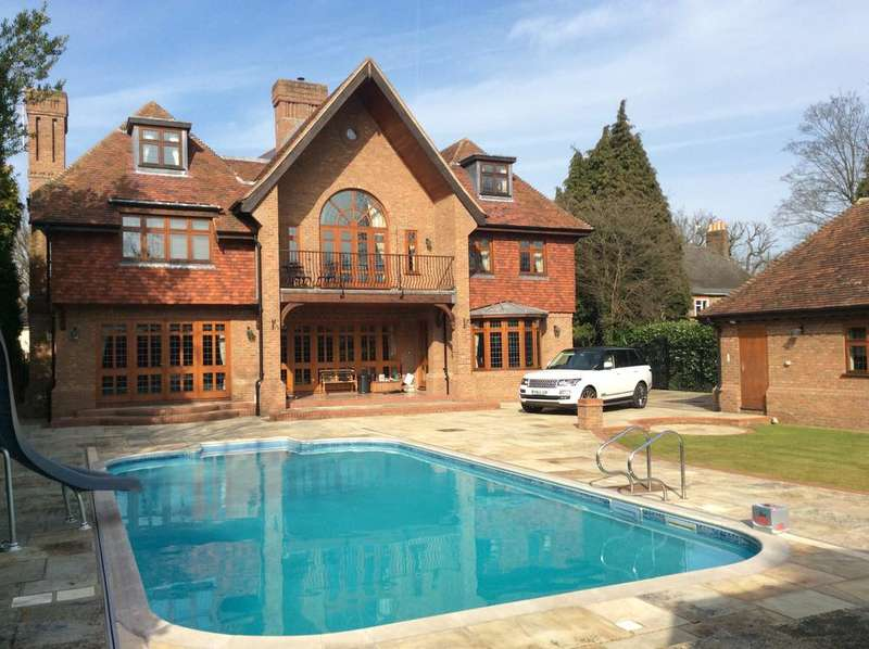 7 Bedrooms Detached House for sale in Ernest road, Emerson Park, Hornchurch, Essex RM11