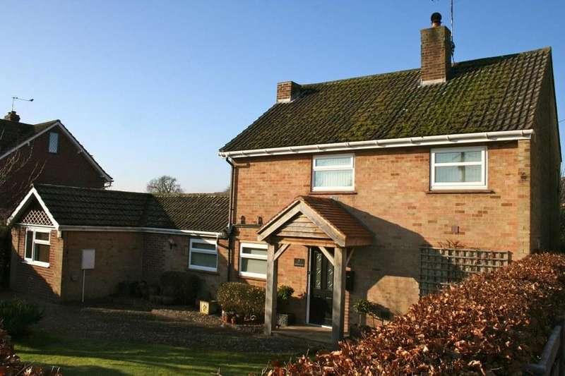 4 Bedrooms Detached House for sale in 7 Eastfield Road, Pickering YO18 7HU