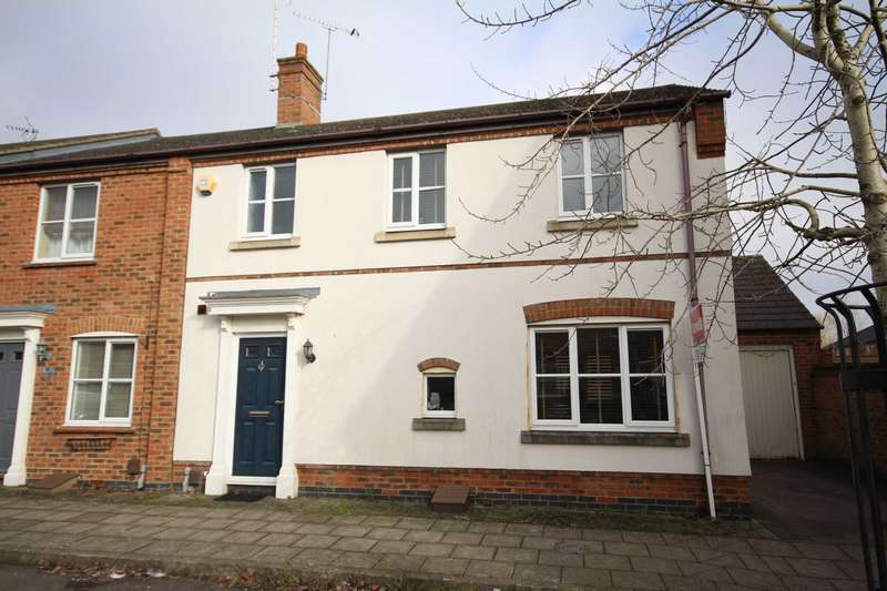 3 Bedrooms Semi Detached House for sale in Kingsgate, Fairford Leys