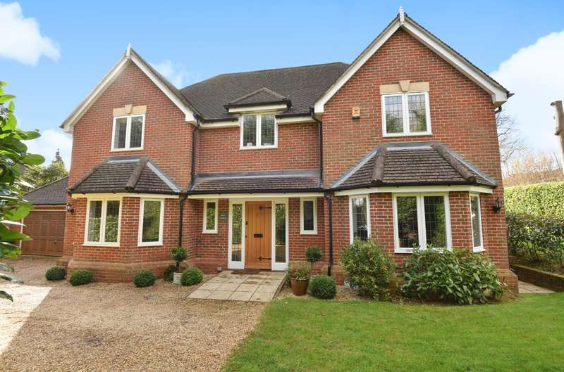5 Bedrooms Detached House for sale in Busbridge