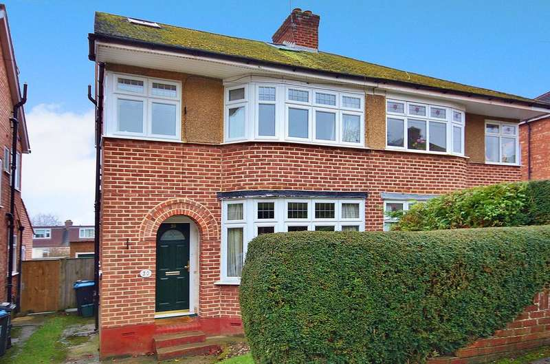 3 Bedrooms Semi Detached House for sale in Meadow Road, Berkhamsted HP4