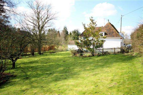 4 Bedrooms Detached House for sale in Oakwell Cottages, Church Hill, Hernhill, Nr Faversham