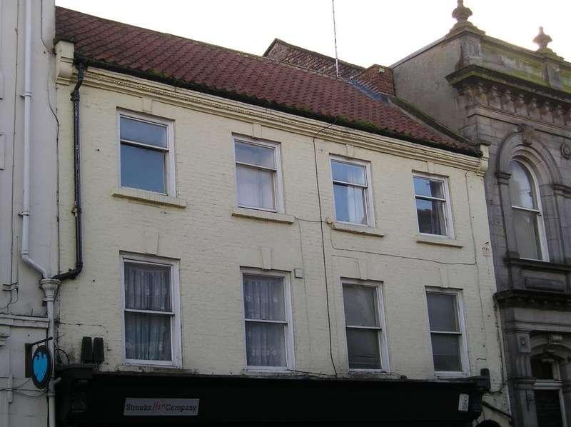 1 Bedroom Triplex Flat for sale in Investment Property 3 Flats Yorkersgate, Malton YO17