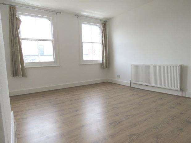 4 Bedrooms Flat for rent in Streatham