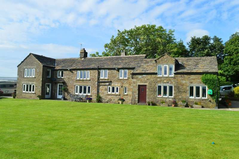 6 Bedrooms Detached House for sale in Woodhead, Belthorn BB1