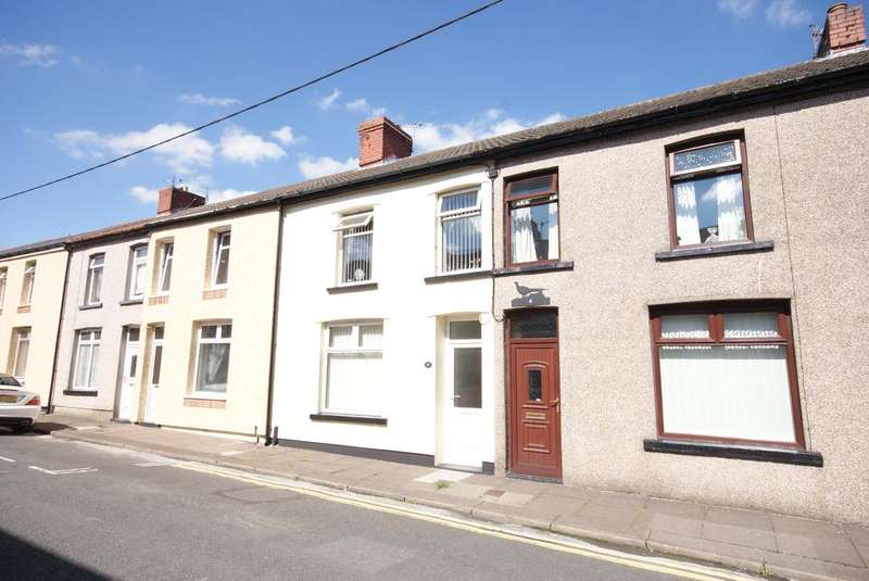 3 Bedrooms Terraced House for sale in Central Street, Ystrad Mynach CF82