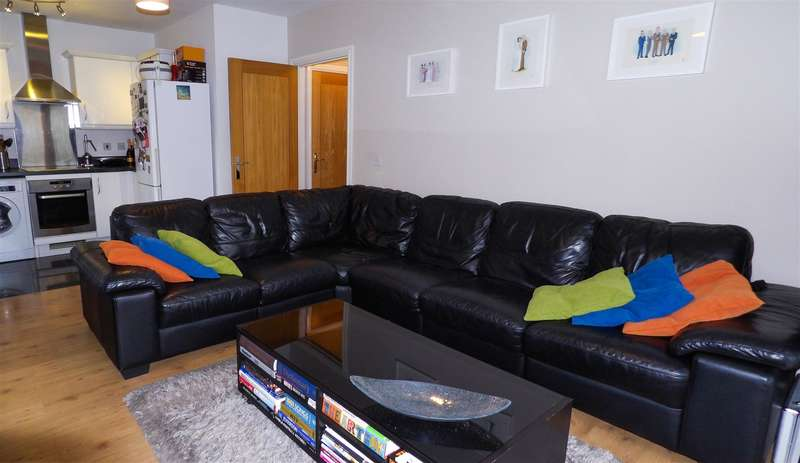 1 Bedroom Property for sale in Wyncliffe Gardens, Cardiff