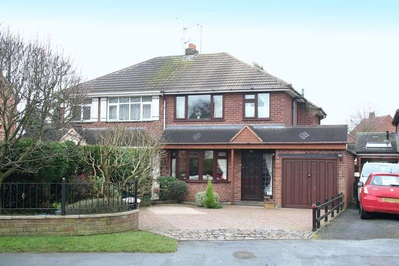 3 Bedrooms Semi Detached House for sale in WOMBOURNE, Planks Lane