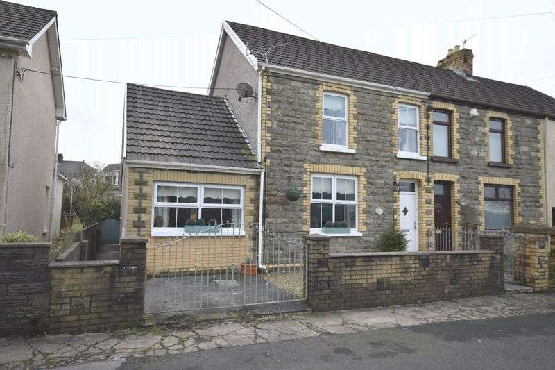 4 Bedrooms Semi Detached House for sale in Heol Canola, Bridgend