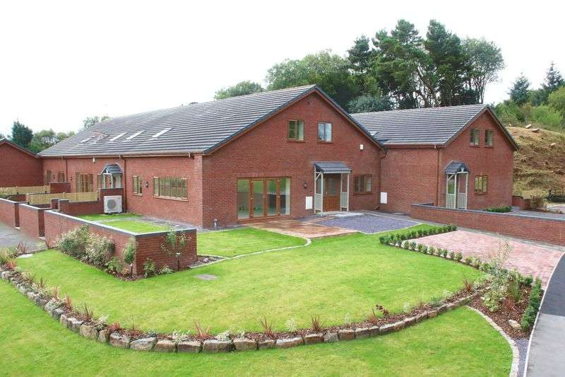 4 Bedrooms Mews House for sale in Milestone Court, Ruthin Road, Bwlchgwyn