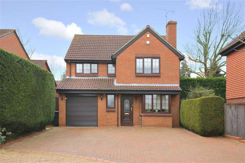 4 Bedrooms Property for sale in Crothall Close, Palmers Green, London