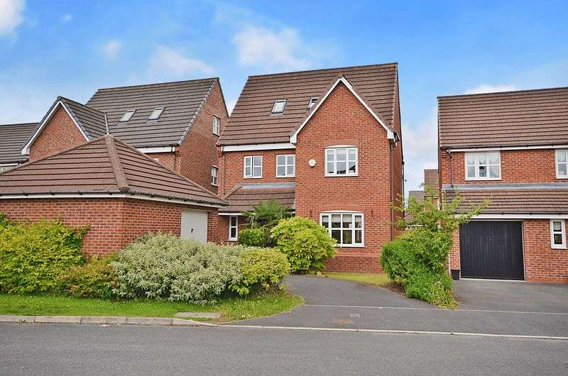 4 Bedrooms Detached House for sale in Larne Court, Widnes