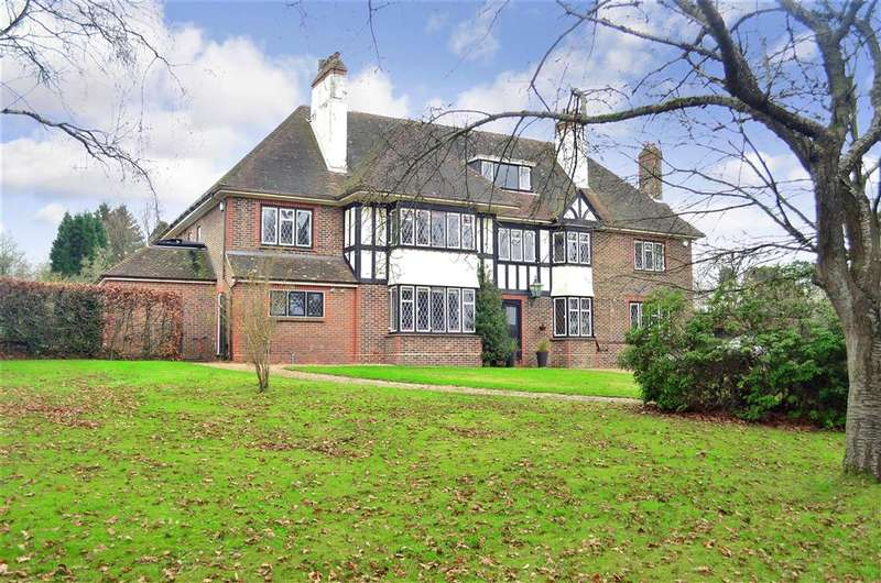 6 Bedrooms Detached House for sale in Saint Hill Road, East Grinstead, West Sussex