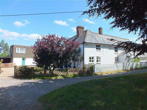 4 Bedrooms Semi Detached House for sale in Forstal Cottage, Throwley Forstal, Nr Faversham