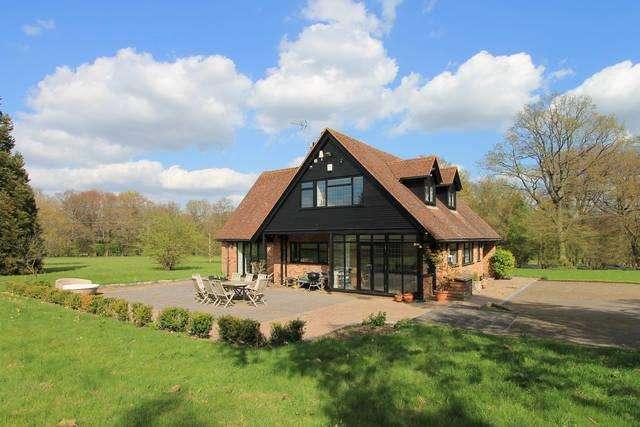4 Bedrooms Detached House for sale in Westerham, Kent