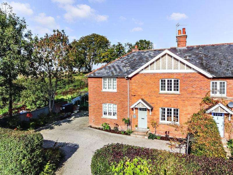 4 Bedrooms Semi Detached House for sale in NEW BARN FARM COTTAGES, HURSTBOURNE PRIORS, WHITCHURCH, WHITCHURCH RG28