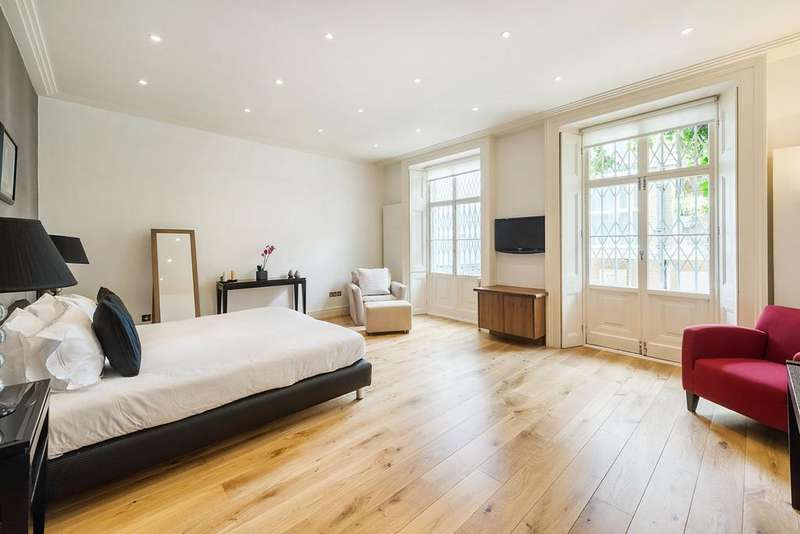 2 Bedrooms Flat for sale in South Kensington SW7