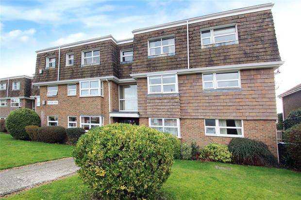 2 Bedrooms Apartment Flat for sale in Fincham Court, Fincham Close, East Preston, West Sussex, BN16