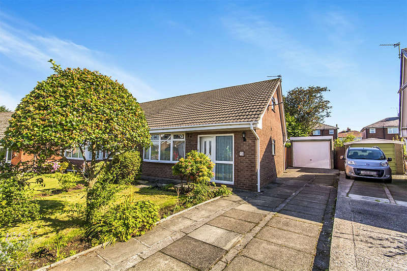 3 Bedrooms Semi Detached Bungalow for sale in Taunton Road, Chadderton, OL9