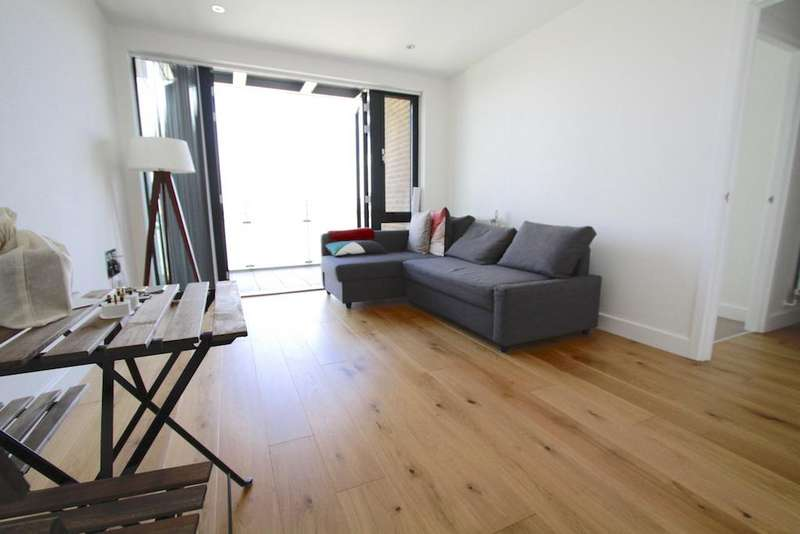 1 Bedroom Flat for sale in City Mill Apartments, Lee Street E8