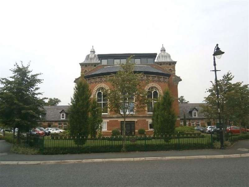 3 Bedrooms Apartment Flat for sale in Pavilion Way, Macclesfield, Cheshire
