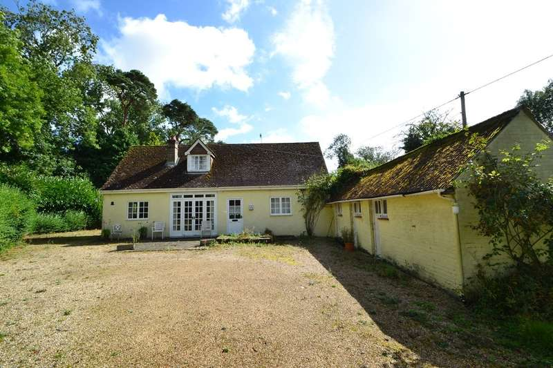 3 Bedrooms Detached House for sale in Salisbury