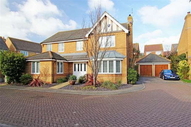 5 Bedrooms Detached House for sale in Lorimar Court, Sittingbourne, Kent