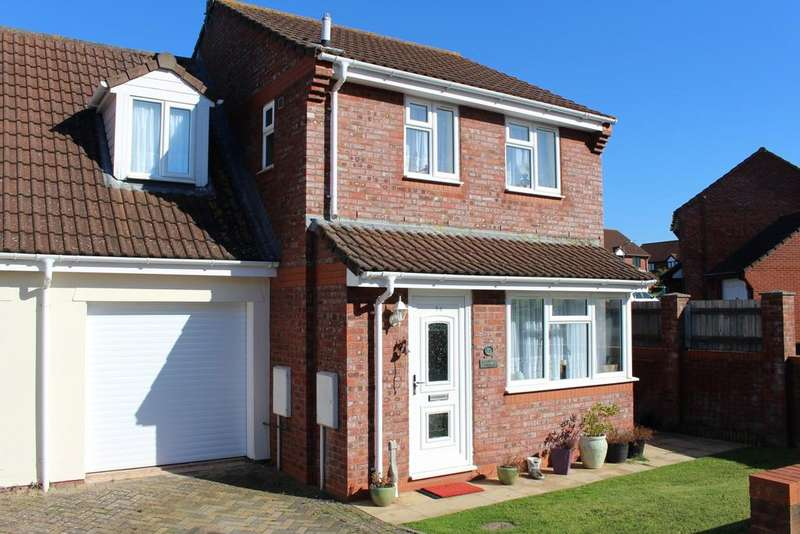 3 Bedrooms Semi Detached House for sale in Maglands Road, Watchet TA23