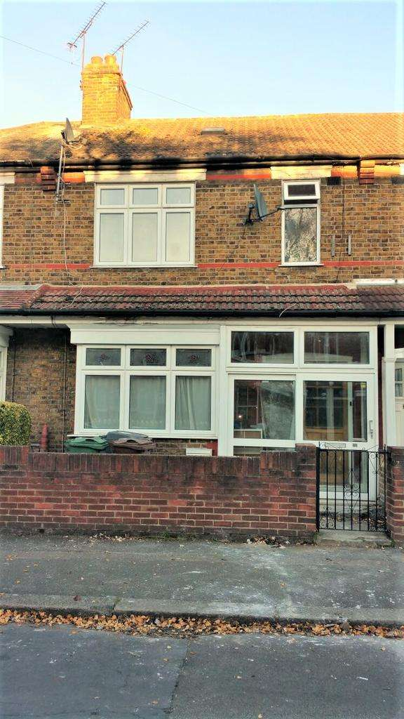 3 Bedrooms Terraced House for sale in Wellesley Road, Walthamstow, London E17