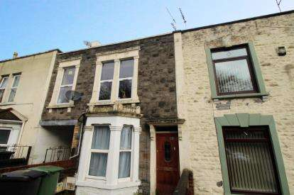 1 Bedroom Flat for sale in High Street, Kingswood, Bristol