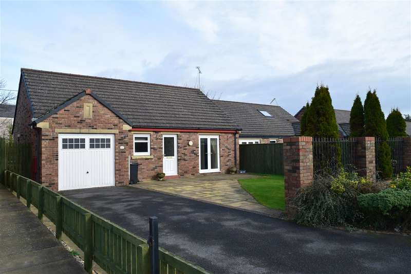 2 Bedrooms Detached Bungalow for sale in Hazelgrove, Seaton, Workington