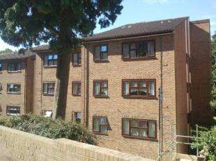 1 Bedroom Retirement Property for sale in Knowle Lodge, Croydon Road, Caterham, Surrey