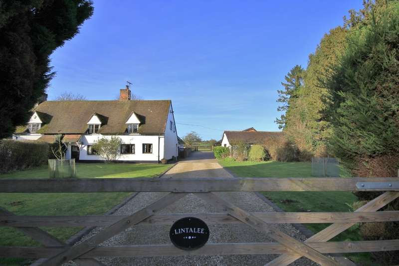 4 Bedrooms Cottage House for sale in Lower Hartwell | Buckinghamshire