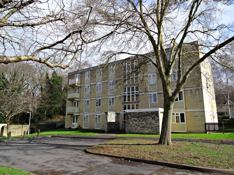 2 Bedrooms Flat for sale in Hillside Road, Moorfields, Bath