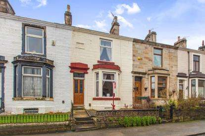 3 Bedrooms Terraced House for sale in Carlton Road, Burnley, Lancashire