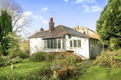 2 Bedrooms Bungalow for sale in Marple Road, Offerton, Stockport, Chehsire