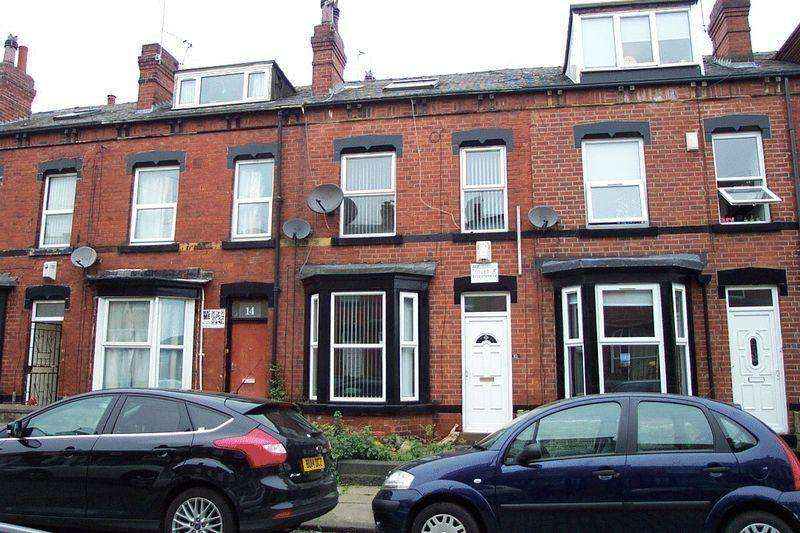 3 Bedrooms Terraced House for sale in Ashville Avenue, Leeds LS6