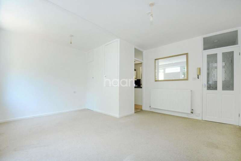 Studio Flat for sale in Dray Gardens, Brixton, SW2