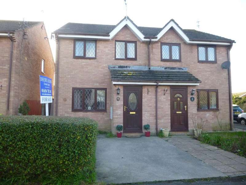 3 Bedrooms Semi Detached House for sale in Nottage, Porthcawl, Porthcawl CF36