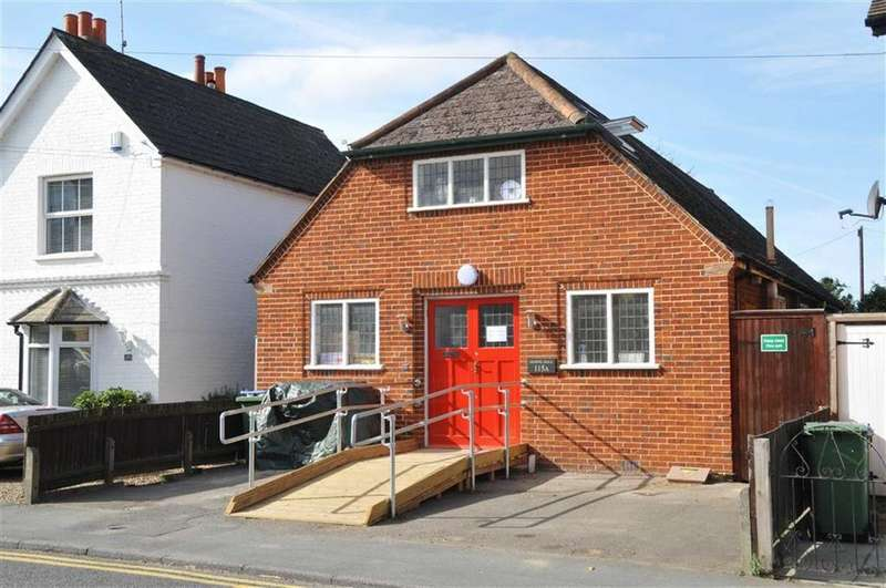 Studio Flat for sale in Anyards Road, Cobham, Surrey, KT11