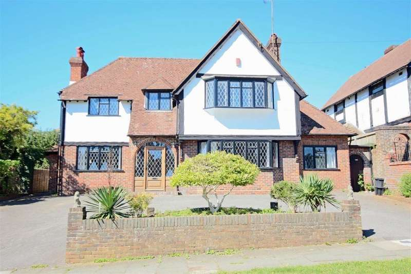 4 Bedrooms Detached House for sale in Brangwyn Way, Brighton, BN1