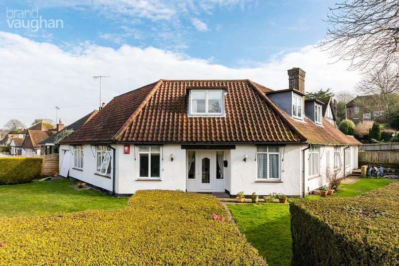 4 Bedrooms Detached Bungalow for sale in Ridgeside Avenue, Brighton, BN1