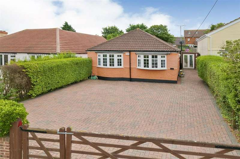 3 Bedrooms Bungalow for sale in Main Road, Chattenden, Rochester