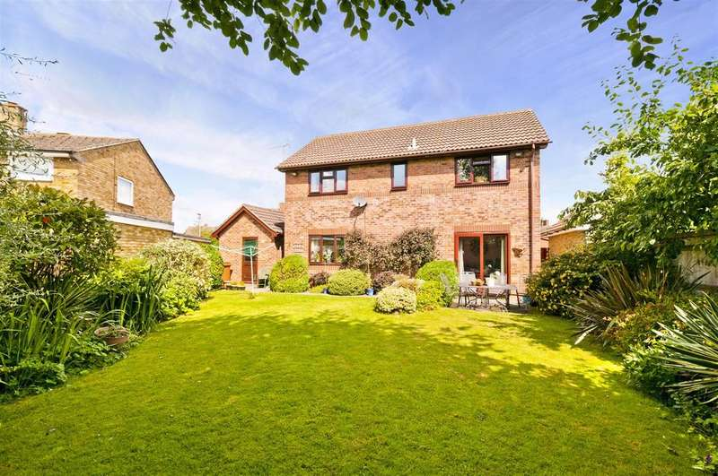 4 Bedrooms Detached House for sale in Ashcroft Road, Paddock Wood
