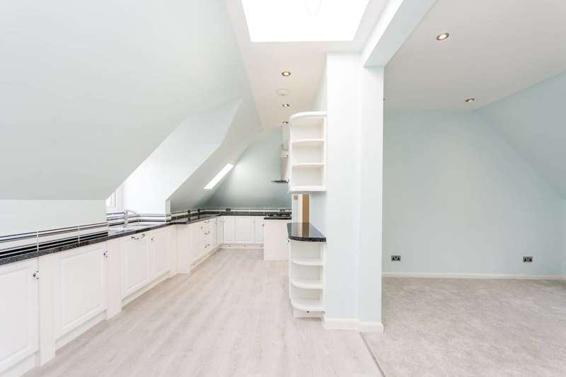 4 Bedrooms Flat for sale in Osborne Mansions, Willesden Green, NW2