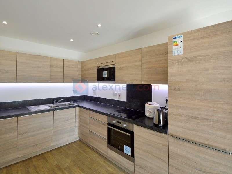 3 Bedrooms Flat for rent in Pell Street, Deptford SE8