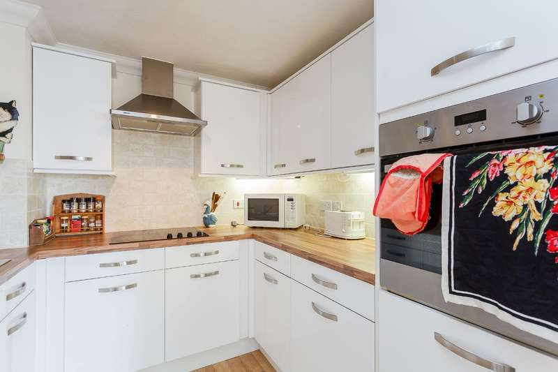 2 Bedrooms Apartment Flat for sale in Devonshire Road, Southampton
