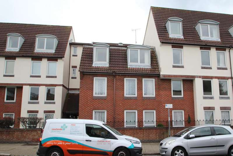 1 Bedroom Retirement Property for sale in Homesea House, Green Road, Southsea PO5